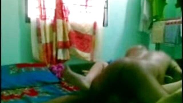 बीबीडब्ल्यू फिमे फोंटेन बेइसे फिस्टी गोडे पैर प्रियंका चोपड़ा की सेक्सी मूवी बेटा मेक