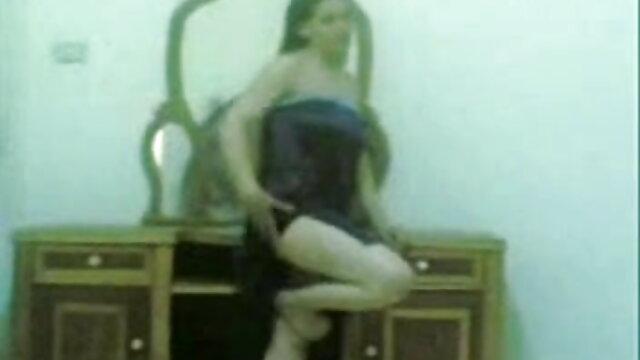 लेस्बियन सेक्स 606 राखी सावंत की सेक्सी मूवी