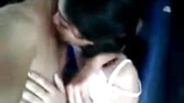 छोटे स्तन प्यारी बट गड़बड़ कठिन काजल राघवानी की सेक्सी मूवी