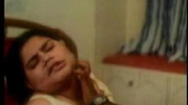 मोम बुत श्यामला काजोल की सेक्सी मूवी उसकी बिल्ली कर रही है