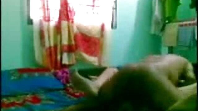 बाथरूम में बीबीडब्ल्यू चूसने सनी देओल की सेक्सी मूवी वाला डिक