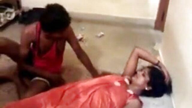 एशियाई करीना कपूर की सेक्सी वीडियो मूवी युगल P2