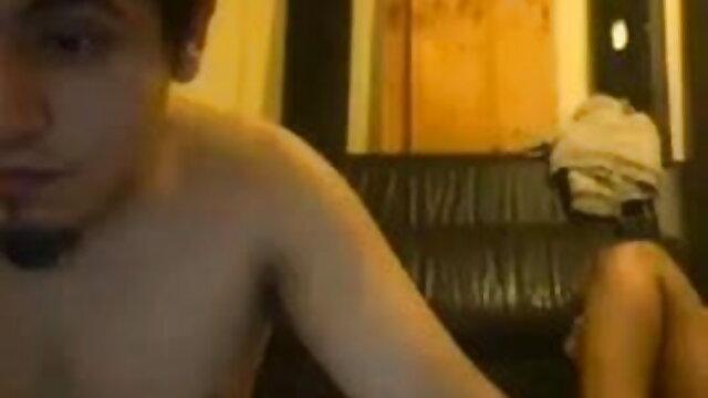 स्कीनी लेकिन आकर्षक एमआईएलए बॉलीवुड की सेक्सी मूवी