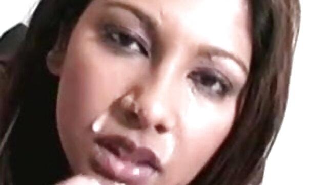 बड़े स्तन के साथ सुनहरे बालों वाली लड़की मांसपेशी आदमी द्वारा कठिन जूही चावला की सेक्सी मूवी कुत्ते शैली गड़बड़ हो जाता है