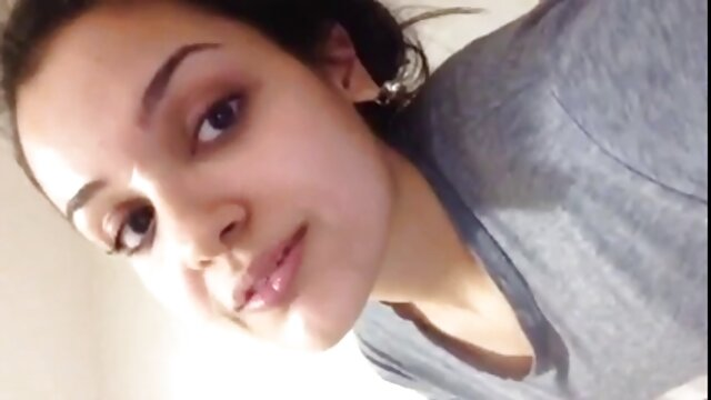 उसके चेहरे पर बड़ा भार सेक्स की मूवी हिंदी में