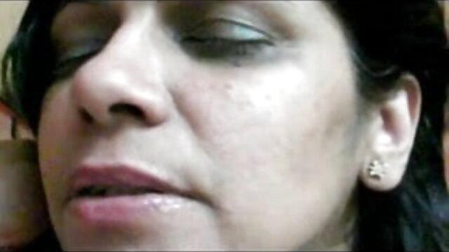 राईना रेन्स MDD राखी सावंत की सेक्सी मूवी डेब्यूटेंट्स 350