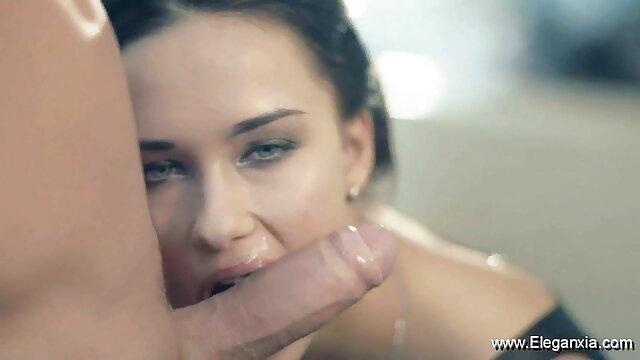 पुराने पिटाई क्लिप सेक्सी हीरोइन की सेक्सी मूवी 6