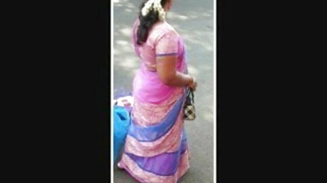 जेएवी गर्ल बड़े पैमाने पर बुकेक चेहरे हो जाती दिव्या भारती की सेक्सी मूवी है