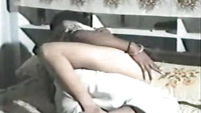 अजनबी के श्रद्धा कपूर की सेक्सी मूवी साथ मगर