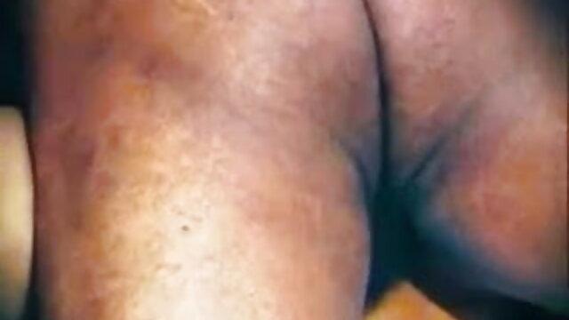 गांड में उंगली, चूत रानी मुखर्जी की सेक्स मूवी में डिल्डो यह एक फुहार ओ को काम कर रहा है