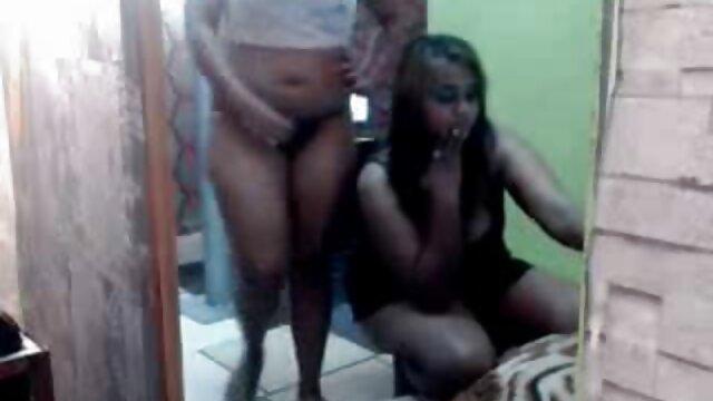 श्यामला किशोर किट्टी प्रियंका की सेक्सी मूवी टक्कर लगी है